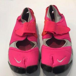 Nike Air Rift Hot Pink